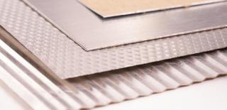 Алюминиевое покрытие с бумажной подкладкой для защитного слоя изоляции.